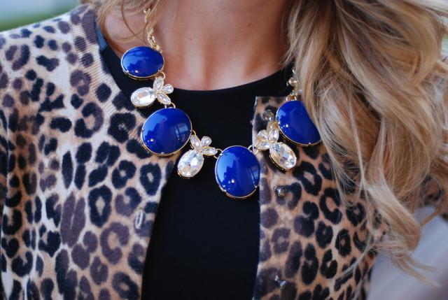 2013 Blue banana republic statement necklace