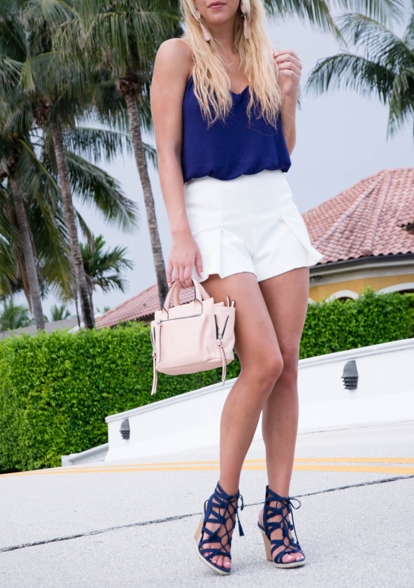 how to accessorize navy and white