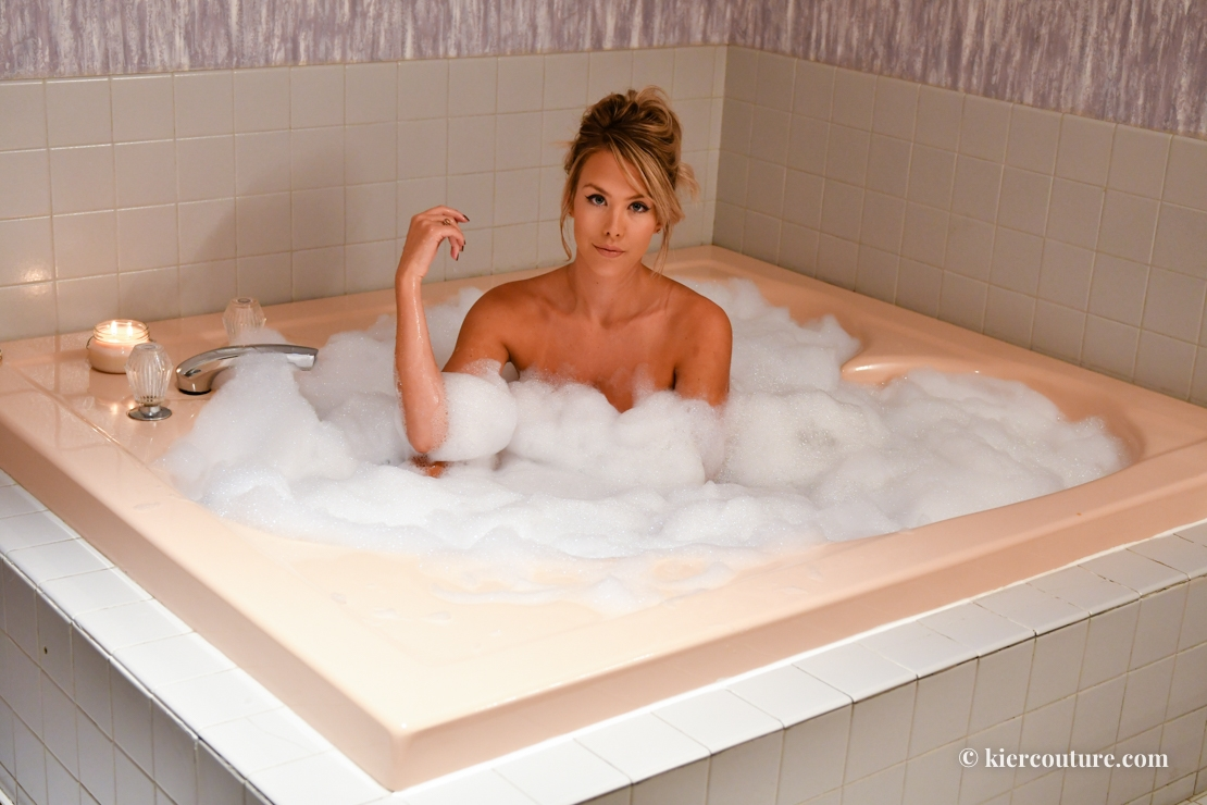 heart shaped bath tub