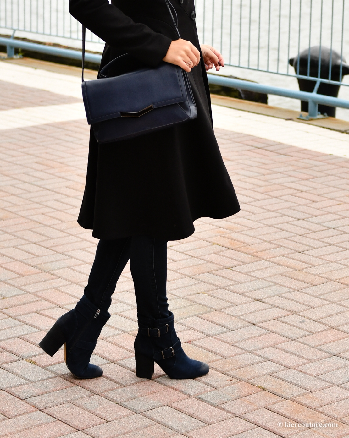 how to wear navy ad black together