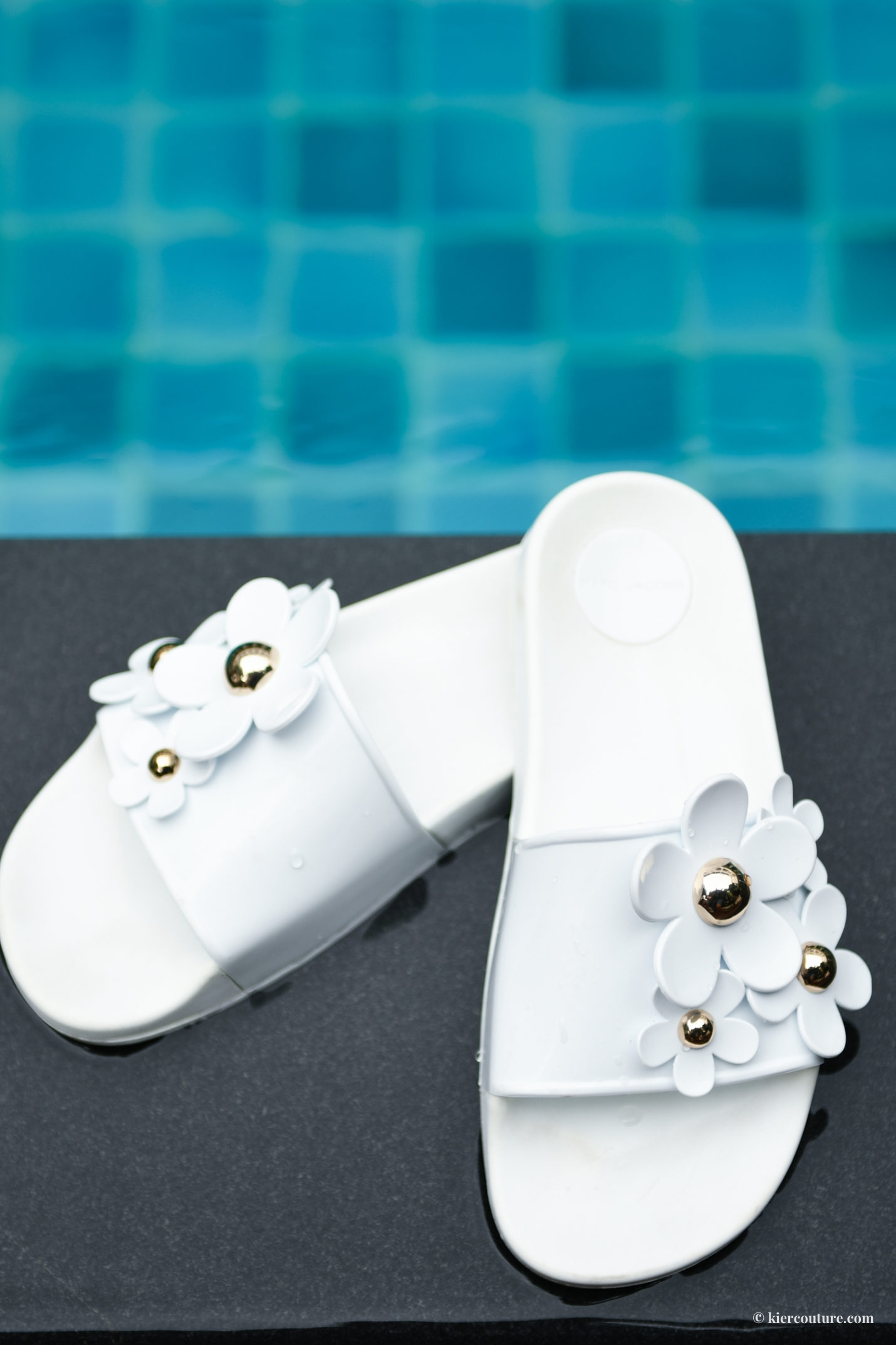marc jacobs daisy slides