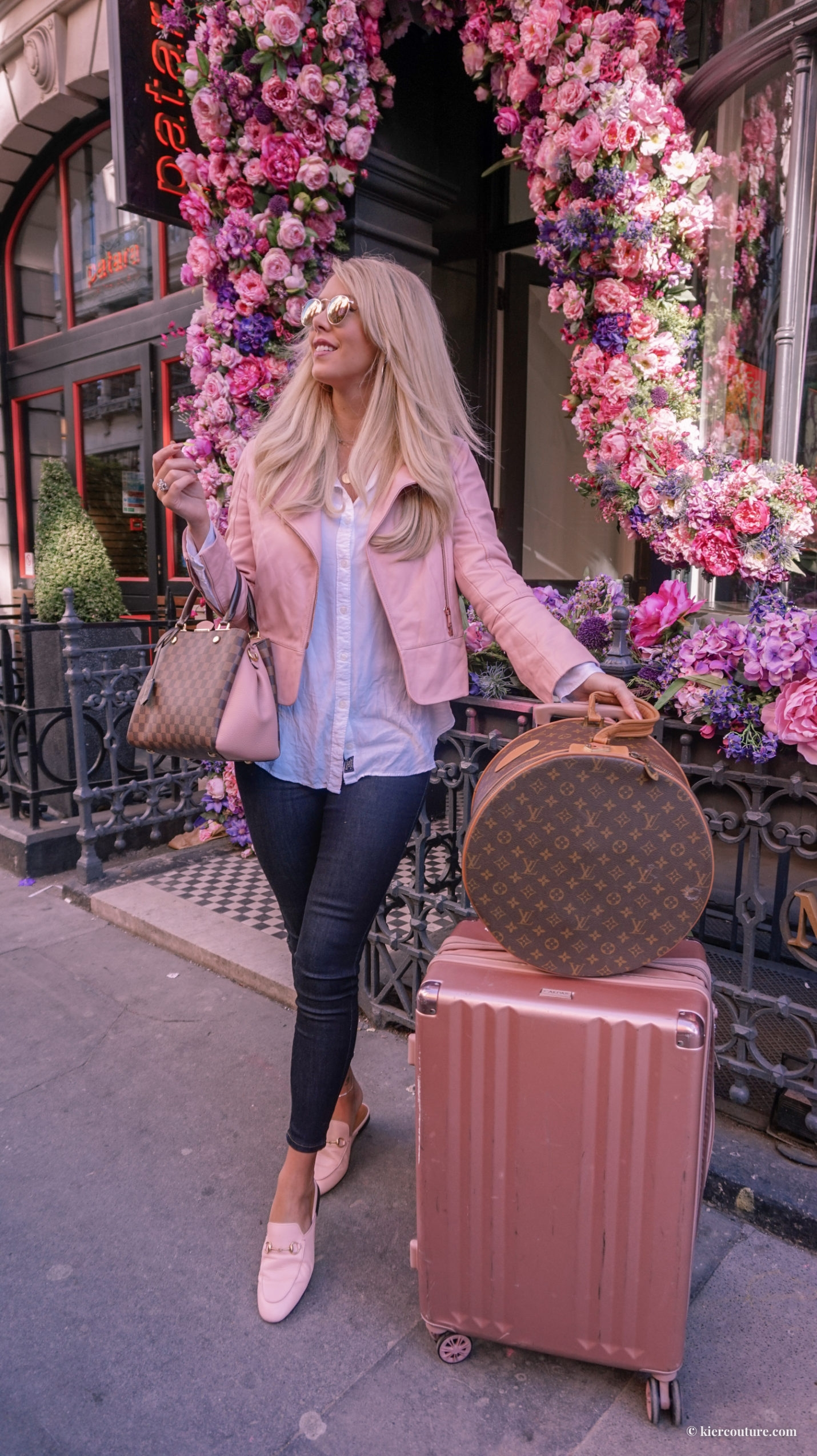 pink travel outfit